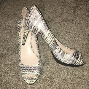 "Vince Camuto 3"" heels - 9M"